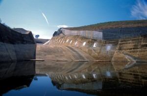 Ben Chifley Dam. Spillway on the eastern side of the embankment.